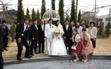 挙式後に写真撮影大会。~幸せの鐘ガゼボにて~