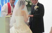 指輪の円のように、ふたりも長く終わりがないようにつながれました。